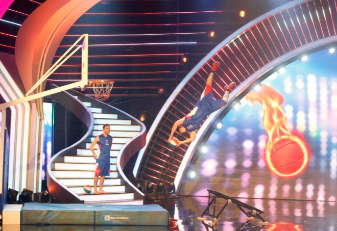 MBC4 & MBC MASR Arabs Got Talent S4 - Finalist- Crazy Dunkers  (800x549)