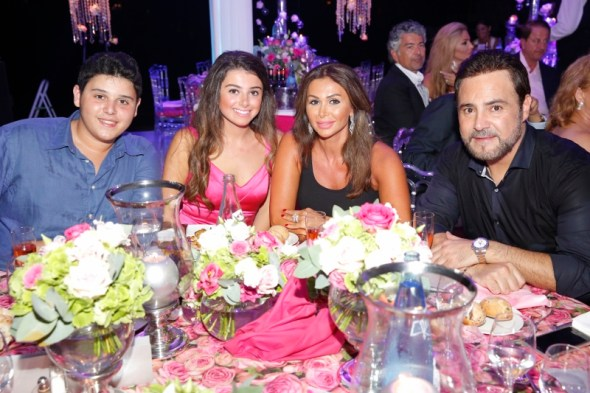 Assi El Hallani With His Wife Mrs. Colette & Their Daughter Maritta & Son Al Walid (800x533)