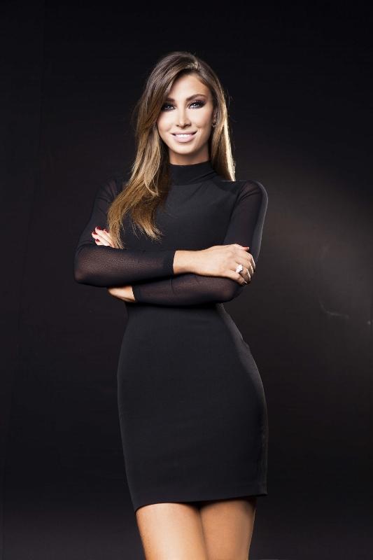 MBC4- Celebrity Duets- Presenter Annabella Hilal (533x800)