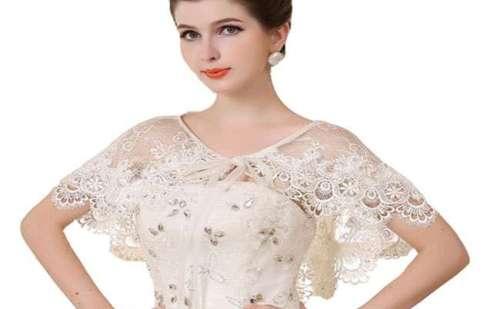 फैशनः गर्मियों के मौसम में युवतियों-महिलाओं को पंसद आ रहा श्रग व केप परिधान