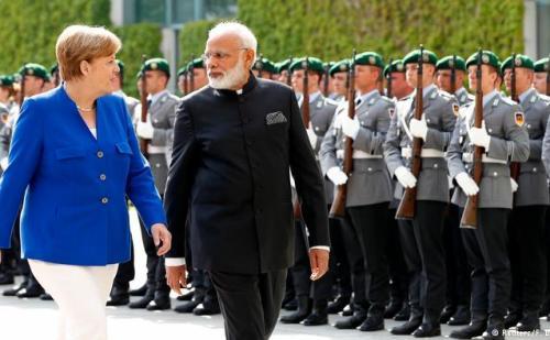 प्रधानमंत्री मोदी के लंदन दौरे में बदलाव ,खान अबासी से मुलाकात नहीं। जर्मनी  के लिए रवाना।
