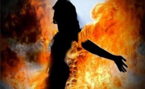 दुष्कर्म के बाद नाबालिग को जिंदा जलाया