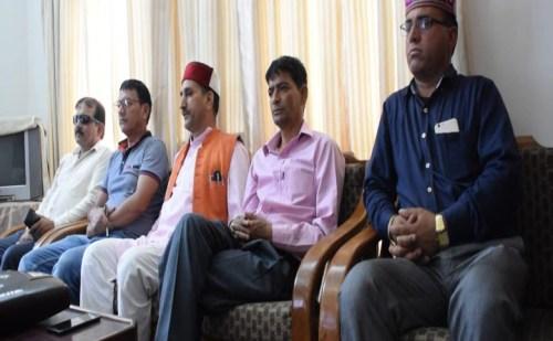 बीजेपी का कांग्रेस पर निशाना, कांग्रेस के धरने पर कसा तंज
