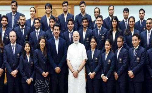 पदक जीतने वाले खिलाड़ियों से PM मोदी ने की मुलाकात