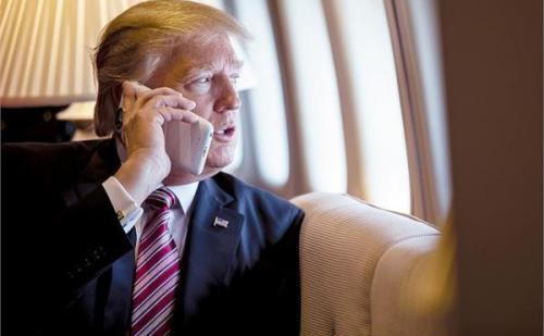 अमेरिकी राष्ट्रपति ट्रंप को चीन ने दी सलाह, IPhone के बदले Huawei करे इस्तेमाल