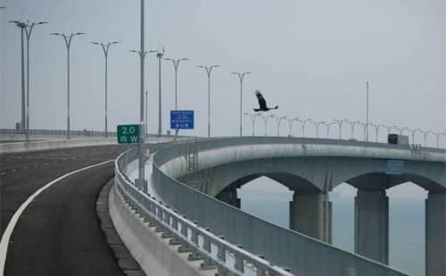 दुनिया के सबसे लंबे पुल पर जल्द  होगा यातायात संभव