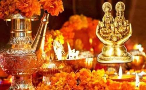 धनतेरस पर जाने क्या रहेगा पूजा का शुभ मुहूर्त और राशियों के अनुसार क्या खरीदें आज