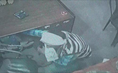 हरियाणा: ऑटो वाले ने ढाबे का शीशा तोड़कर की चोरी