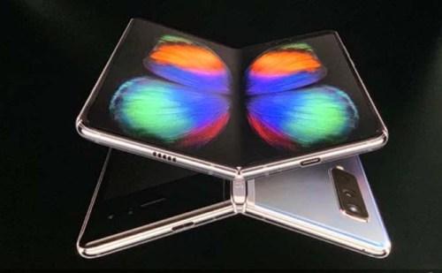 Samsung Galaxy Fold स्मार्टफोन हुआ लॉन्च, 12 GB रैम समेत 6 कैमरा से है लैस