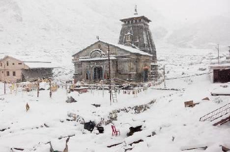 उत्तराखंड में 8 जनवरी को भारी बर्फबारी, मौसम विभाग ने जारी किया रेड अलर्ट