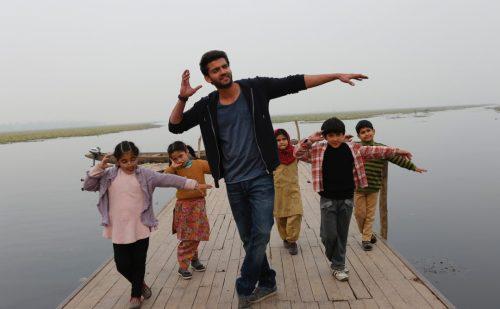 फिल्म नोटबुक के वीडियो में नजर आयी ज़हीर इक़बाल और बच्चों के बीच मज़ेदार केमिस्ट्री