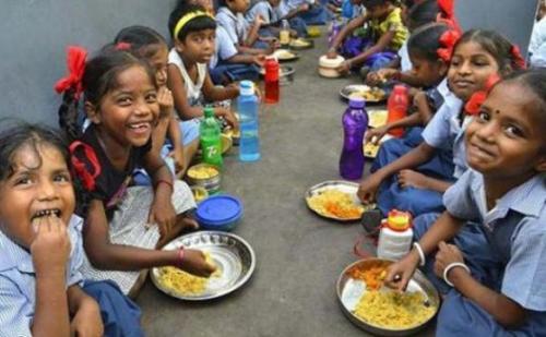 हिमाचल: अब मिड-डे मील के साथ दूध भी देगी सरकार
