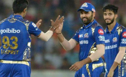 40 रनों से हारी दिल्ली, अंक तालिका में दूसरे स्थान पर पहुंची मुंबई