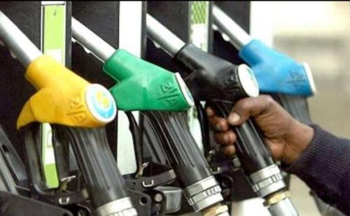 पेट्रोल की कीमतों में हुई बढ़ोतरी, डीजल के दामों में नहीं हुआ बदलाव
