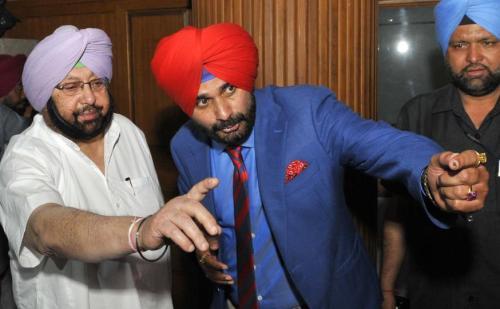 नवजोत सिंह सिद्धू का मंत्रीपद से इस्तीफा मंजूर, मुख्यमंत्री कैप्टन अमरिंदर सिंह ने किया मंजूर