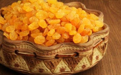 Health Tips: खाली पेट खाएं किशमिश, होगी शरीर की सारी समस्याएं दूर
