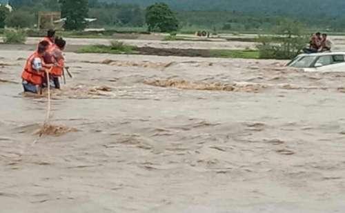 पंजाब: पानी के तेज बहाव में बही महिला और पांच साल की बच्ची