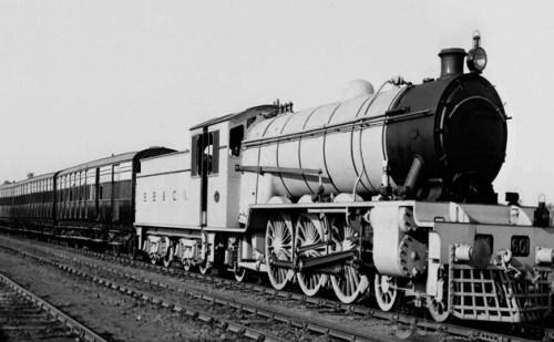 जानिए भारत की पहली पैसेंजर ट्रेन कब और कहां से कहां तक चली