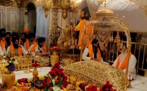 गोल्डन टेम्पल श्री गुरु नानक देव जी के 550वां साल प्रकाश पर्व बड़ी हर्षोउल्लास के साथ मनाया