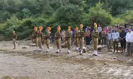 कांगड़ा: पैतृक गांव पहुंचा ITBP जवान का पार्थिव शरीर, राजकीय सम्मान के साथ हुआ अंतिम संस्कार