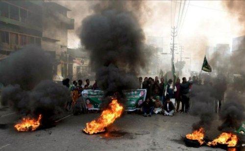 नागरिकता संशोधन कानून: यूपी में हिंसक हुआ प्रदर्शन, 16 लोगों की मौत, 705 गिरफ्तार