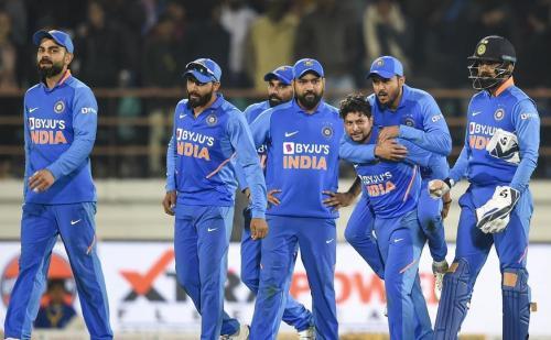 India vs Australia : बेंगलुरु में सीरीज का निर्णायक मुकाबला आज, ऑस्ट्रेलिया ने भारत को दिया 287 रनों का लक्ष्य