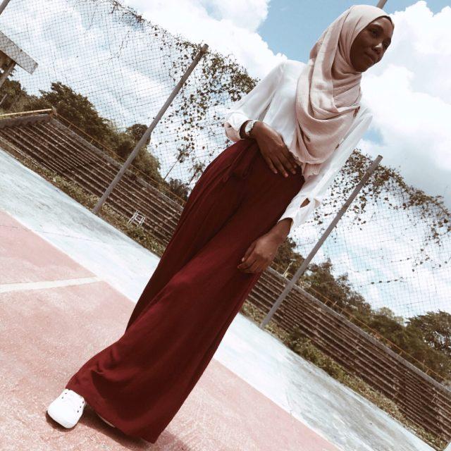 Muslim-modest-fashion-blogger-wine-palazzo-pants
