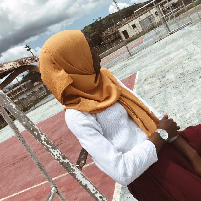 summer-inspo-modest-fashion-blogger-wine-pants-sweater