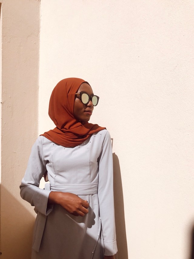Muslim Modest Fashion Hack One Grey Wrap Dress Five Ways burnt orange premium chiffon scarf blogpost khairahscorner