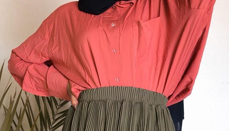 3 Ways to Style Midi Pleated Skirts with Long Oversized Shirts
