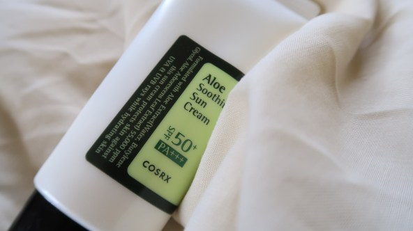 cosrx-aloe-soothing-sunscreen-khairahscorner-spf-50-tested