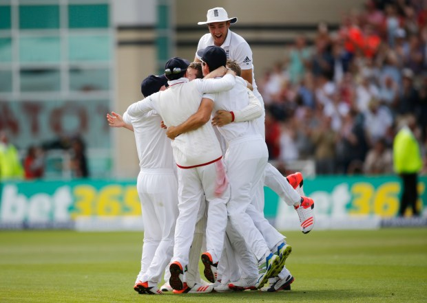 England regain the Ashes