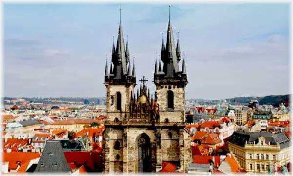 كنيسة مريم العذراء من اشهر اماكن سياحية في براغ
