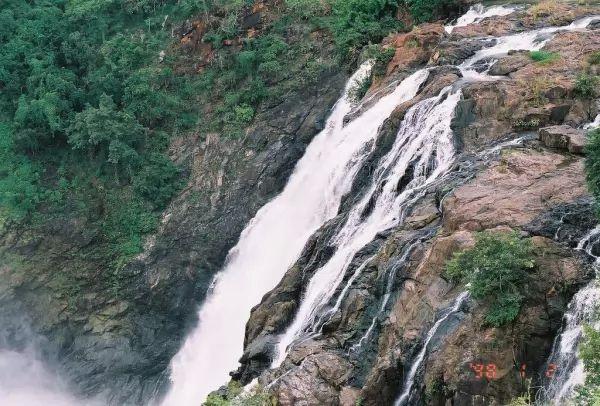 شلالات سيفاناسامودرا من اجمل شلالات الهند