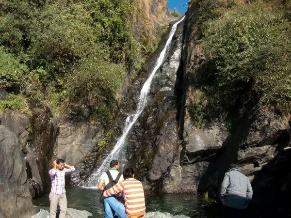 شلال باجسوناغ من اجمل شلالات الهند