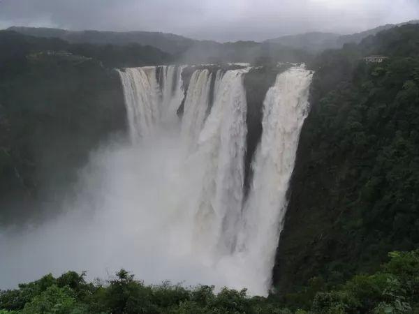 شلال بهيمات من اجمل شلالات الهند