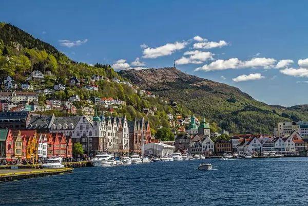 ميناء برجن من اجمل اماكن سياحية في النرويج