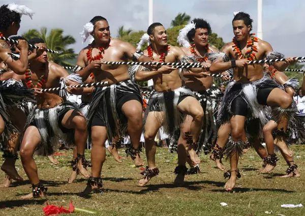 العادات والتقاليد في قبيلة تونغا