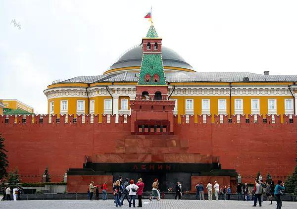 ضريح لينين موسكو