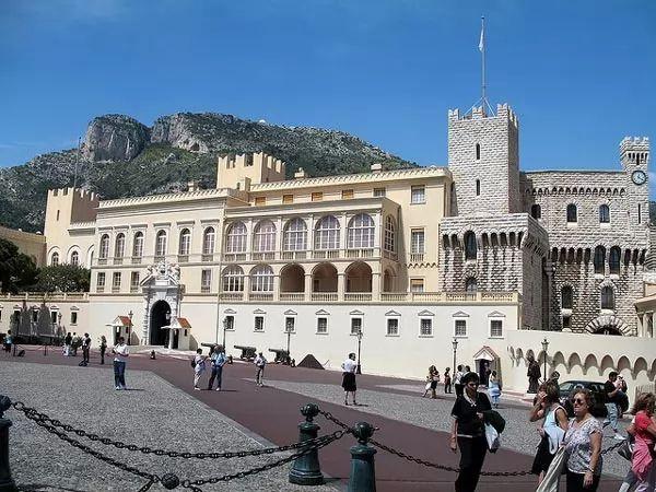 موناكو فيل بالاس