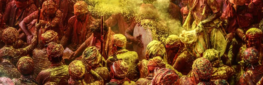 Play Holi in Group with Gulal