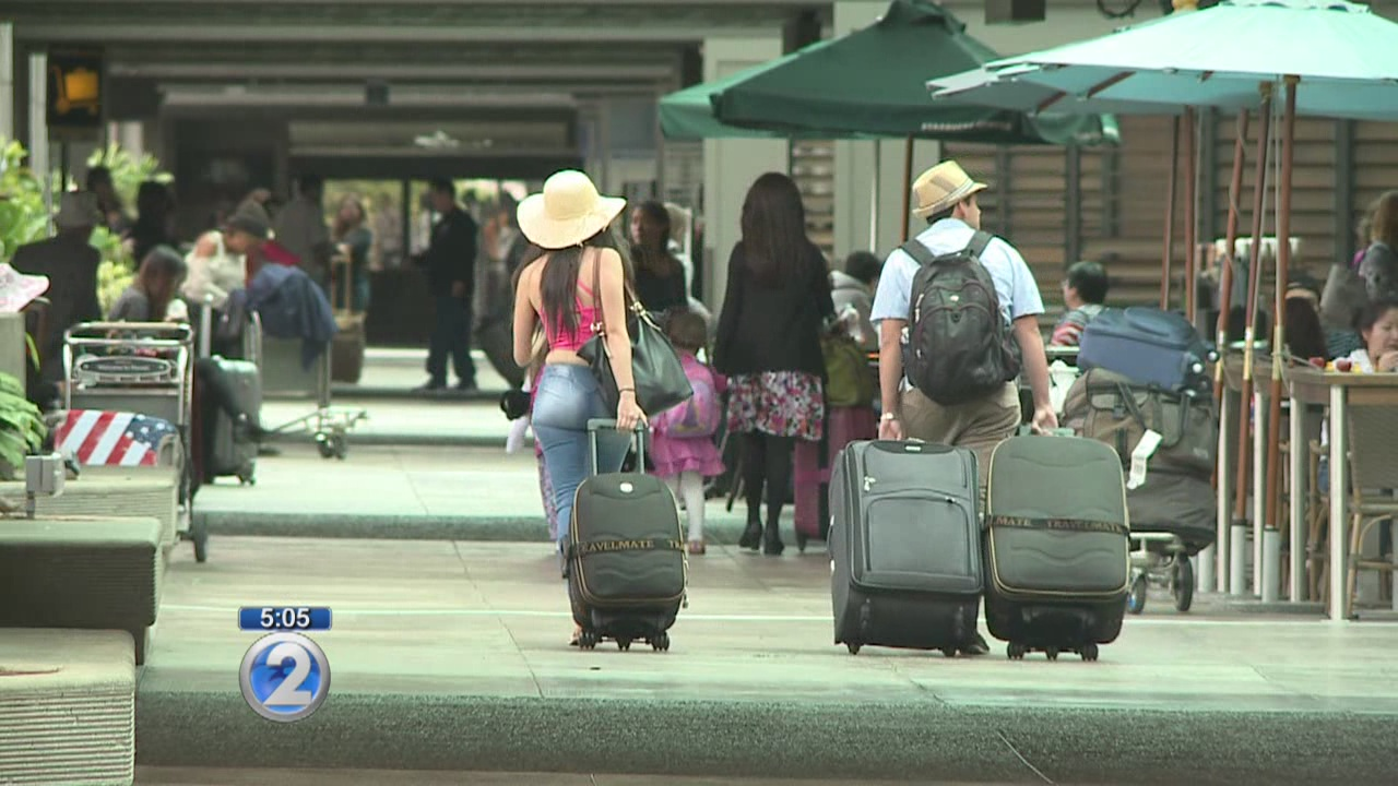 Honolulu airport to close lobbies, baggage claims overnight