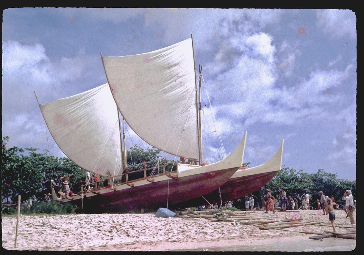 Hokulea 1976 at Kualoa Beach_81426