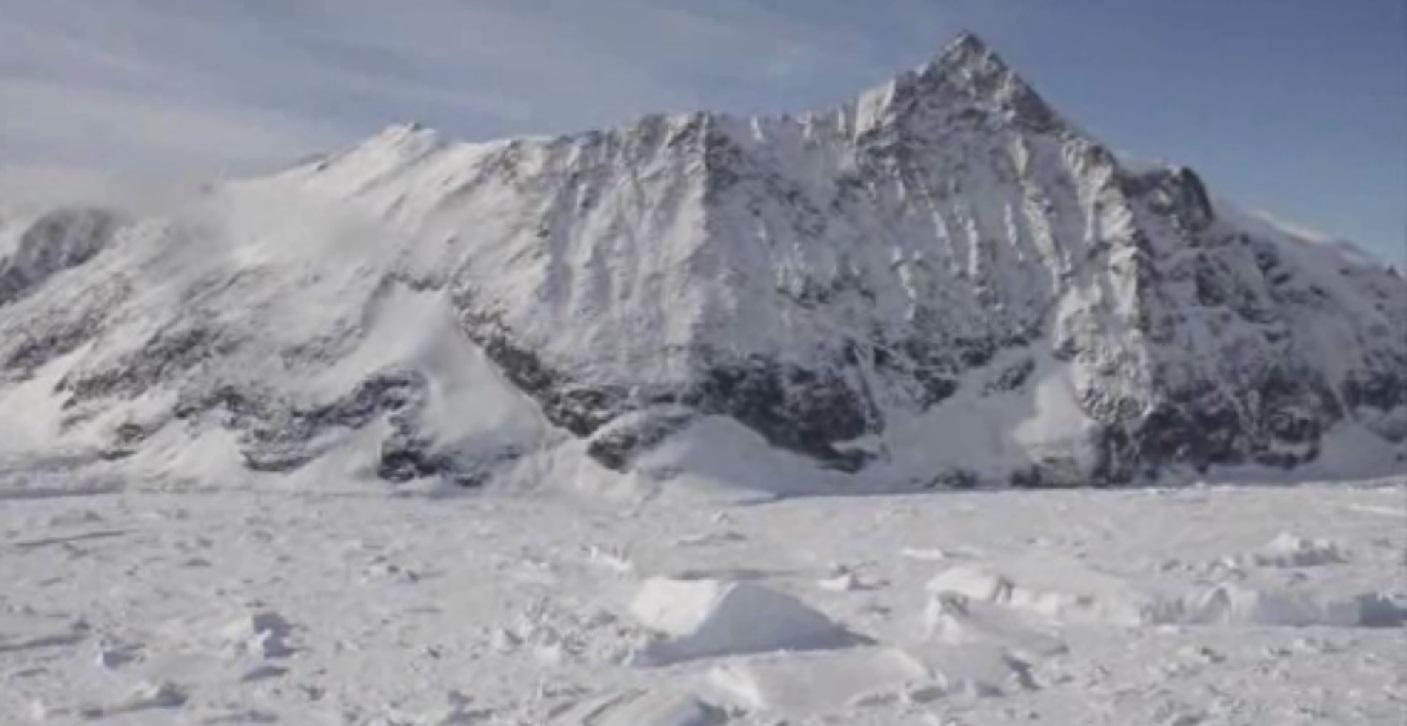 antarctic ice shelf_95322