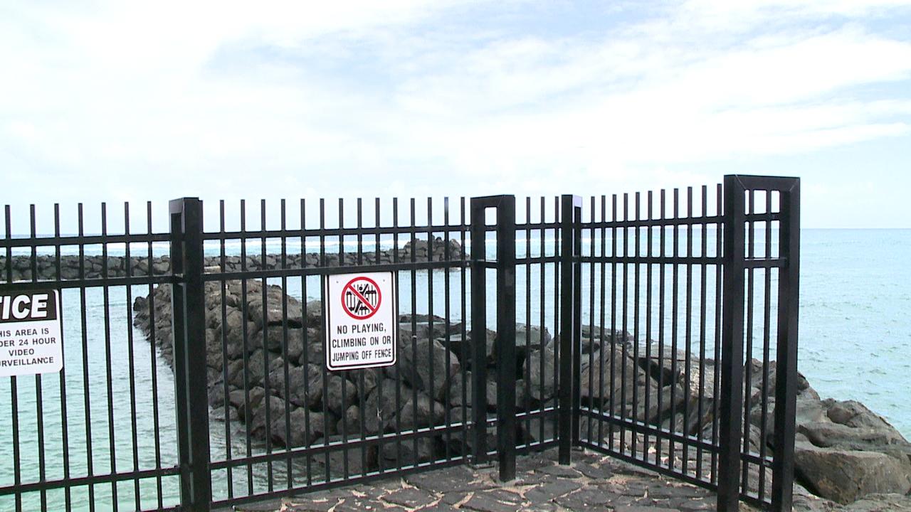 cromwells shangri la fence_94784