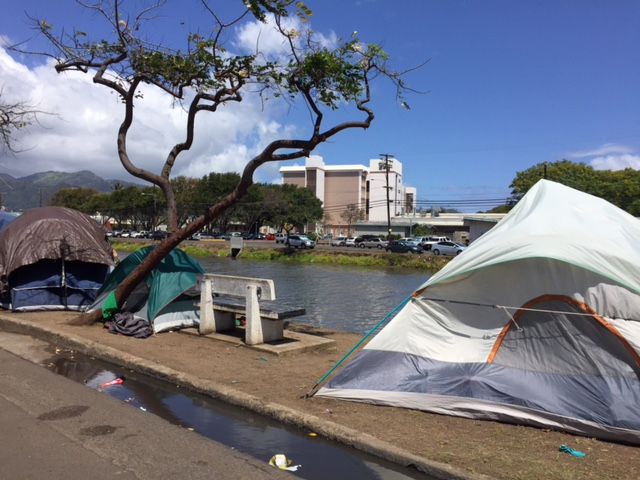 kapalama canal homeless_93058
