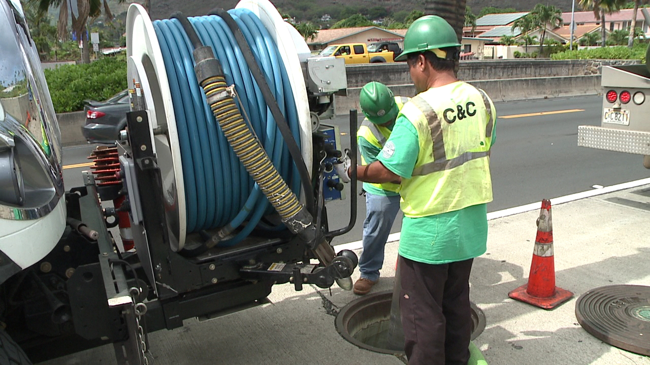 East Oahu residents asked to limit water use after sewer pipe break