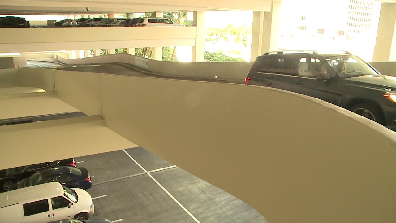 11-18 parking Ala Moana_129699