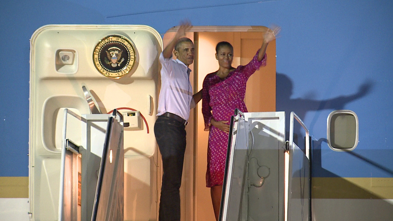 Obama Departure 2 (1)_136477