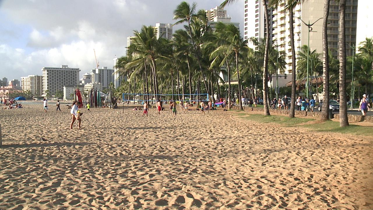 queens beach waikiki_135000
